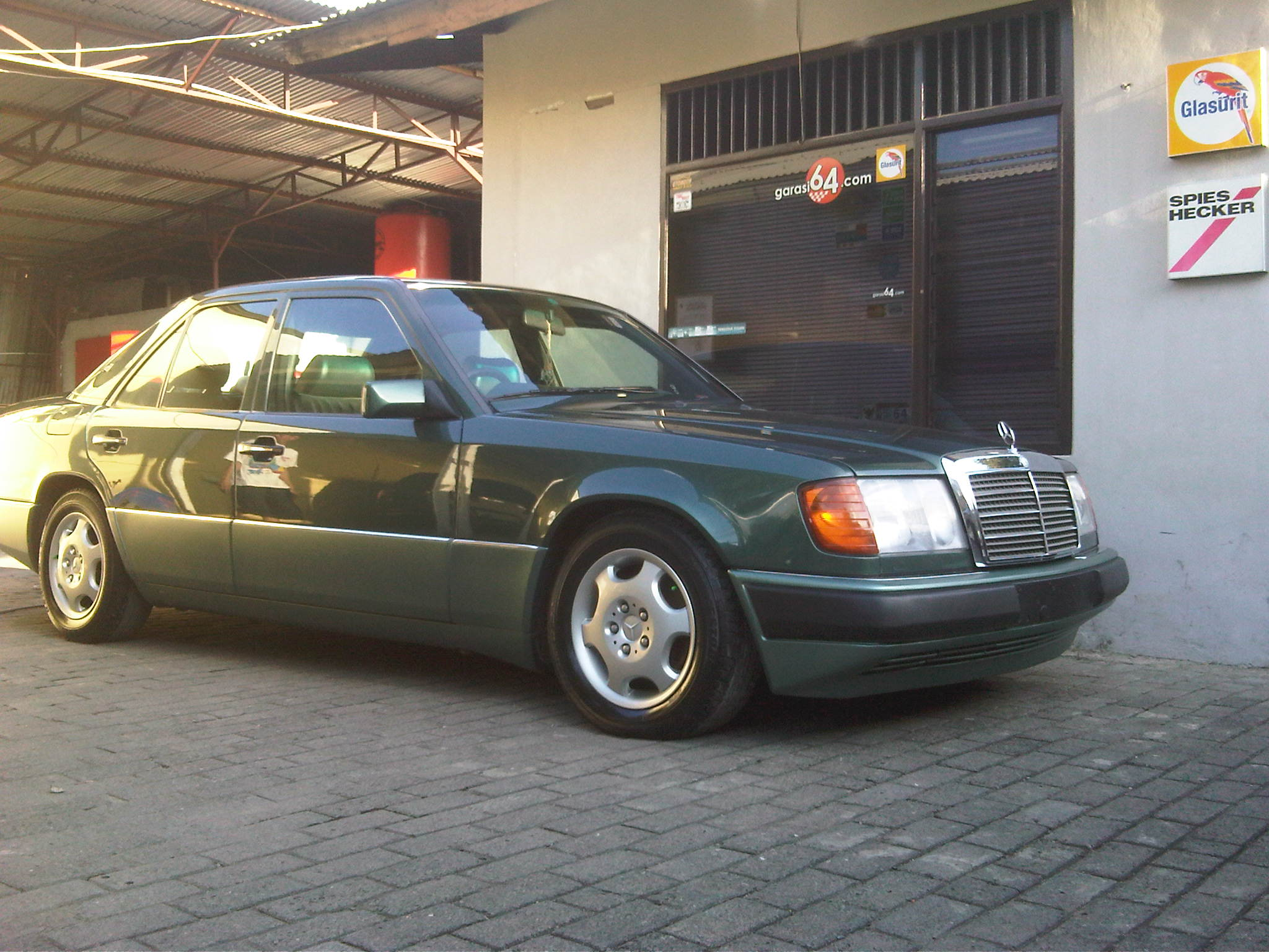 1991 mercedes benz 230e w124 garasi 64 for Mercedes benz 230e