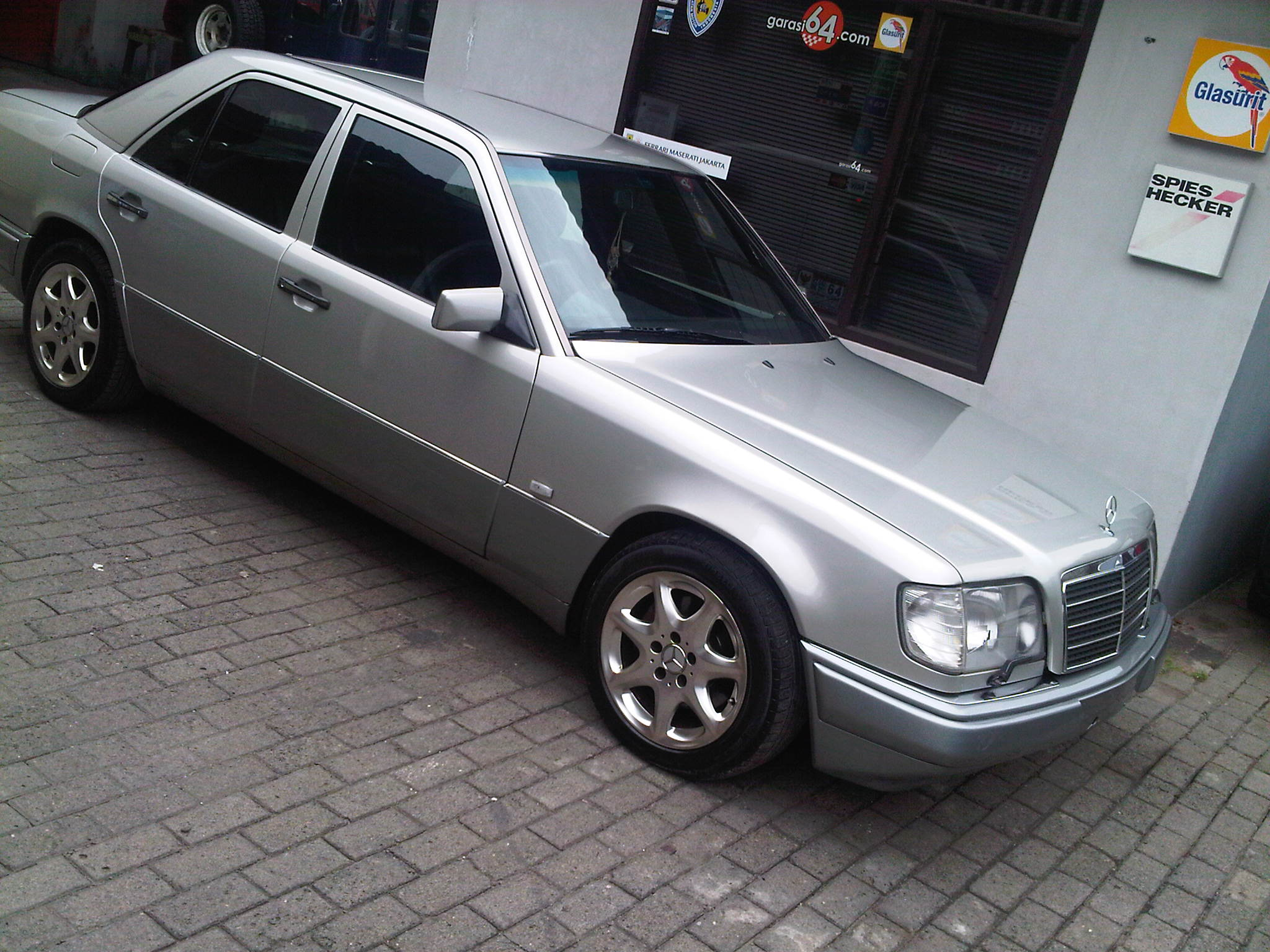 1996 mercedes benz e320 w124 garasi 64 for Mercedes benz creator