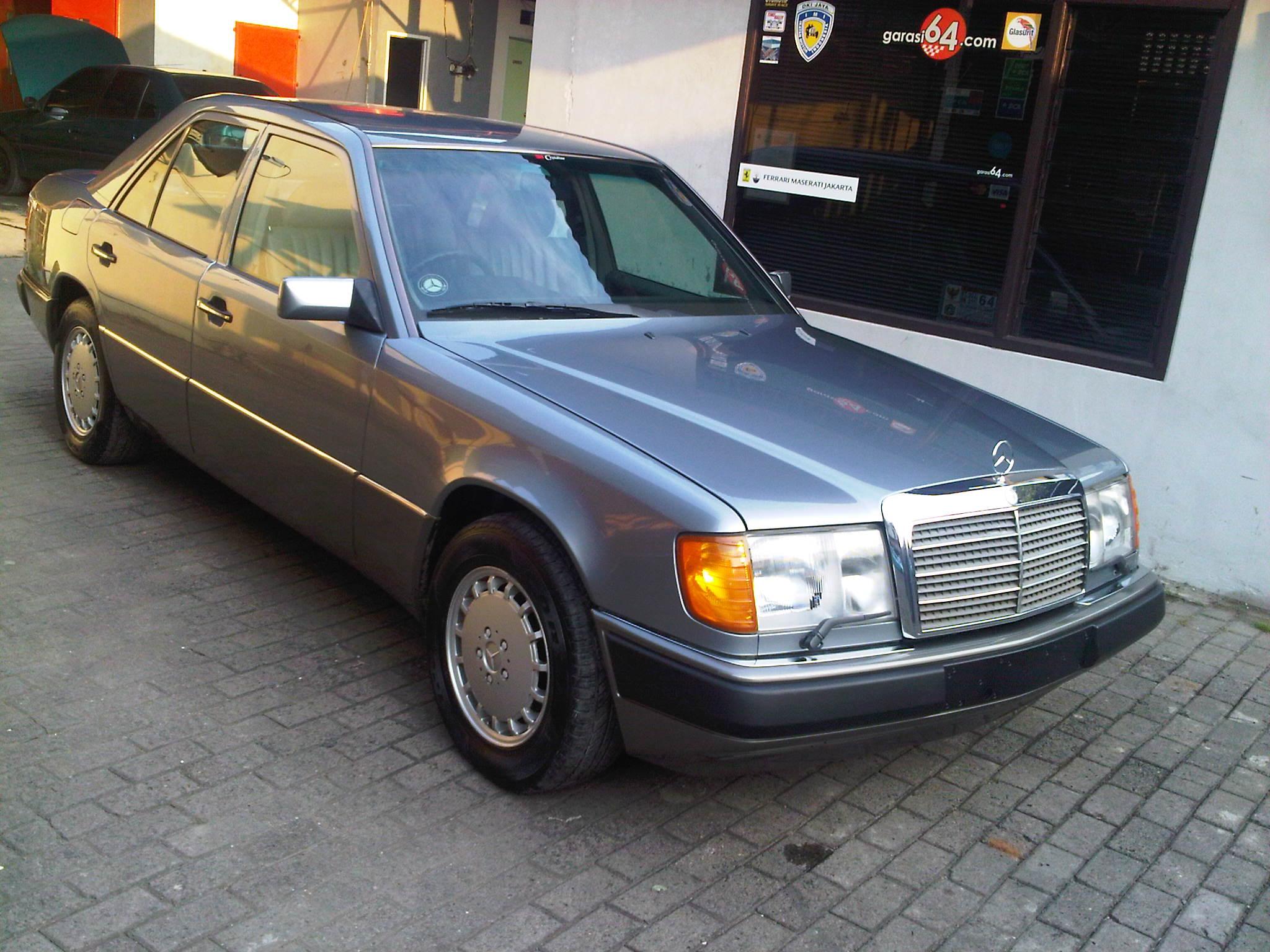 1990 mercedes benz 300e w124 garasi 64 for 1990s mercedes benz