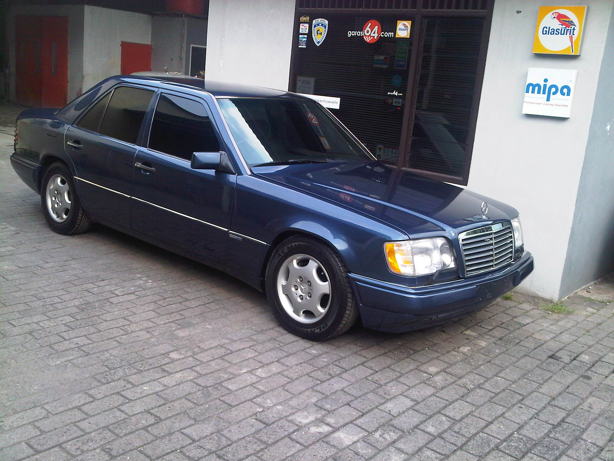 1994 mercedes benz e320 w124 sportline garasi 64 for Mercedes benz e320 service e
